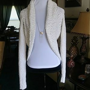 Gorgeous long sleeve open front shrug